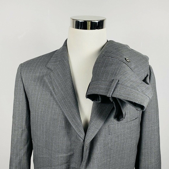 Brooks Brothers 42R Suit 34 x 32 Gray Pinstriped
